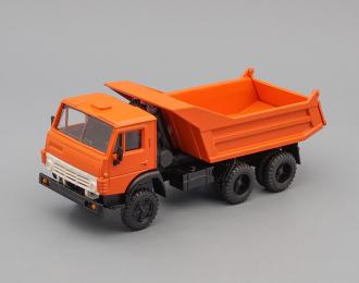 Камский грузовик 55111 (горизонтальные ребра), оранжевый
