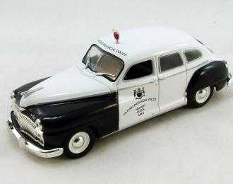 De Soto Sedan 4-Door 1946 Light Blue WHITEBOX 1:43 WB282