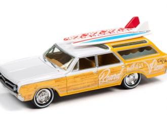 Oldsmobile Vista Cruiser (1964), yellow