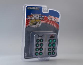 """набор для полицейских машин """"Hot Pursuit Wheel & Tire Pack"""" 4 комплекта колес, кенгурятник и люстра (Greenlight!)"""