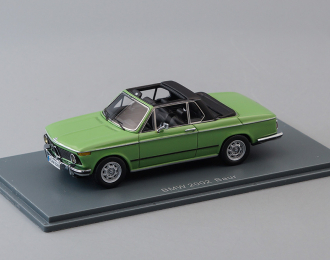 BMW 2002 Baur Cabriolet, light green