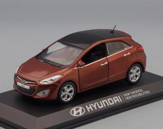 HYUNDAI i30 (2012), brown