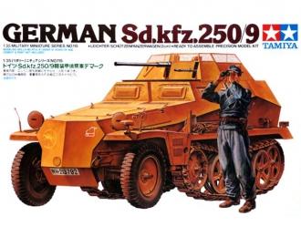 Сборная модель Полугусеничный легкий БТР разведки Sd.kfz.250/9 с 20-мм пушкой, наборные траки, 1 фигура
