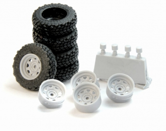 Набор колес для внедорожников (диск Off-Road Wheels с треугольными отверстиями, резина Yokohama Geolandar)
