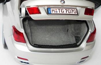 BMW 750Li F01/F02 (2008), titan silber met.