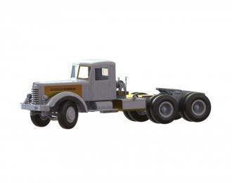 (KIT) Советский седельный тягач ЯАЗ-210 Д деревянная кабина, лебедка, шины GRIP
