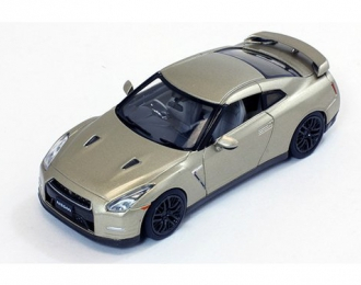 NISSAN GT-R R35 45th Anniversary Limited Edition 2015 Gold