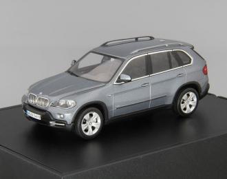 BMW X5 4.8i, blue metallic