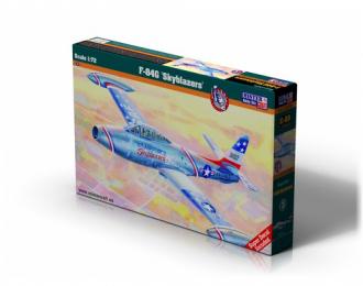 """Сборная модель Самолет F-84 """"Skyblazers"""""""