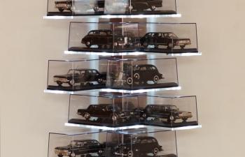 Полка для моделей с подсветкой