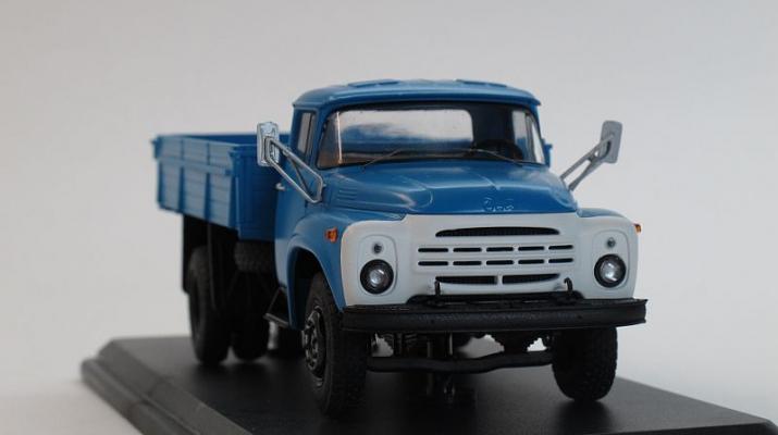ЗИЛ 130-76 бортовой (поздняя решетка), голубой