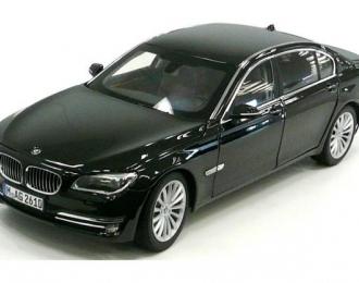 BMW 750 Li F02 LCI, black metallic