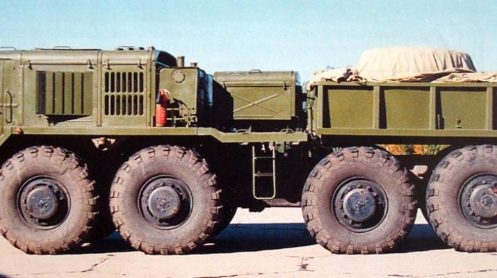 Сборная модель МАЗ-537 балластный тягач