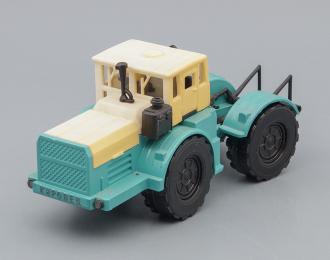 Трактор Кировец, белый / голубой