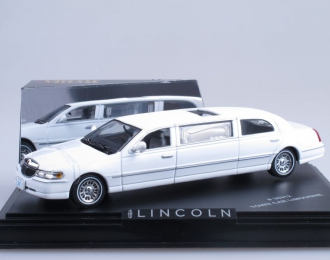 LINCOLN Town Car, white