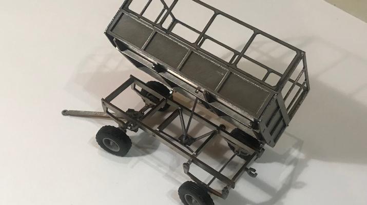 Сборная модель Тракторный прицеп 2-ПТС-4 с высокими бортами