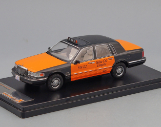 """(Уценка!) LINCOLN TOWN CAR """"Yellow Cab Company"""" Taxi 1996"""