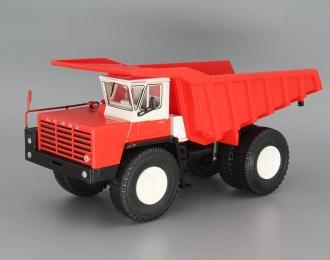 БелАЗ-548 самосвал, красный / белый