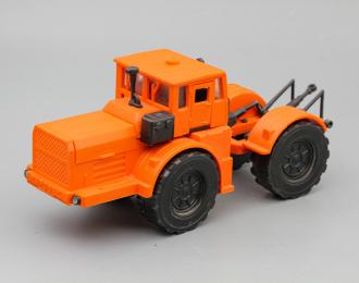 Трактор Кировец, оранжевый