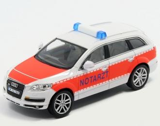 AUDI Q7 Notarzt, white / orange