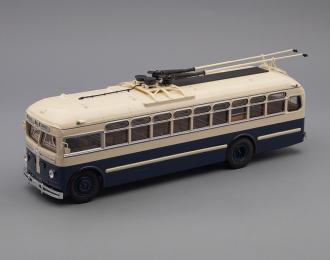 МТБ 82Д троллейбус (1947-1951), бежево-синий