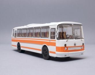 ЛАЗ 699Р (1980), бело-оранжевый