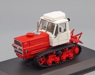 Т-150, Тракторы 122, красный / белый