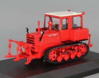 ДТ-75К, Тракторы 83, красный