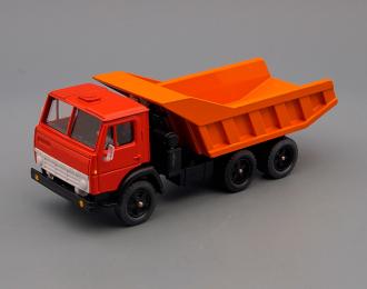 Камский грузовик 5511, красный / оранжевый