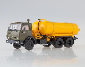 Вакуумная машина КО-505 на шасси Камский грузовик 53213, хаки / оранжевый