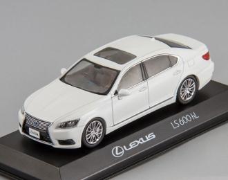 LEXUS LS600hL, white