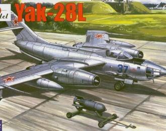 Сборная модель Советский бомбардировщик Як-28Л