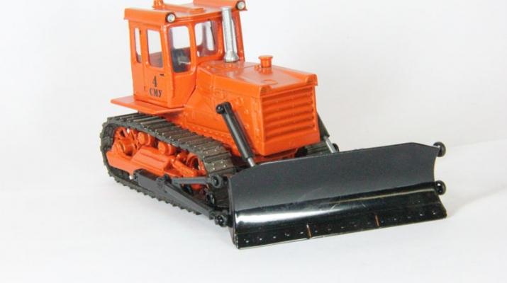 Трактор Бульдозер DZ-109B, оранжевый