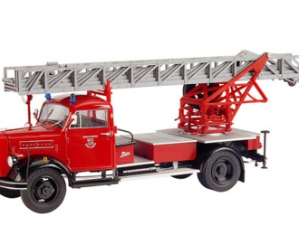 """BORGWARD B 2500 Feuerwehr mit Drehleiter """"Stadt Mayen"""", красный"""