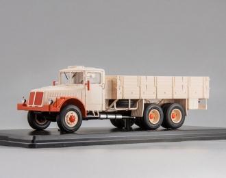 TATRA 111 R (1947), beige / red