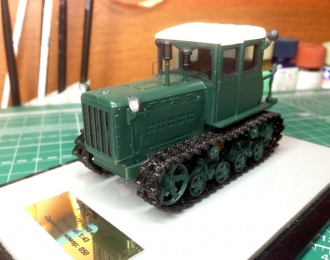 Т-75 трактор (зеленый, чистый)
