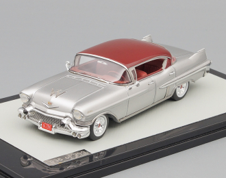 CADILLAC Fleetwood 62 Sedan (1957), red / silver