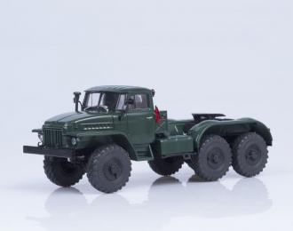Уральский грузовик 375C-K1 седельный тягач, т. зелёный