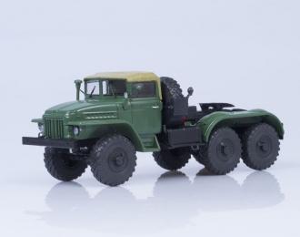 Уральский грузовик 375С (тентованная кабина) седельный тягач, зеленый