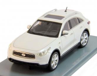 (Уценка!) INFINITI FX50S (2010), white metallic