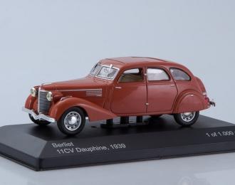 BERLIET 11CV Dauphine (1939), red