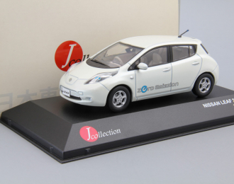 NISSAN Leaf (2010), white