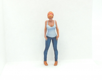 Фигура Девушка стоит (Вариант 11), окрашенная