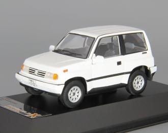 SUZUKI Escudo (1992), white