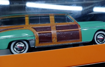 (Уценка!) DODGE Coronet Woody Wagon (1949), light green