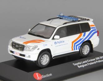 TOYOTA Land Cruiser 200 Politie (2011), white