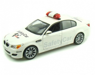 BMW M5 E60 Safety Car, white