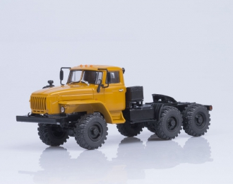 Уральский грузовик 44202-0311-31 (Ярославский двигатель-238) седельный тягач, желтый