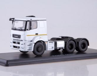 КАМАЗ-65206 седельный тягач, белый