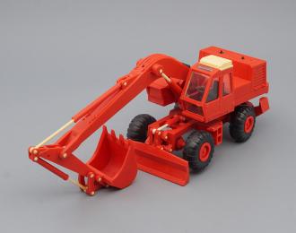 Гидравлический экскаватор ЭО-4321, красный